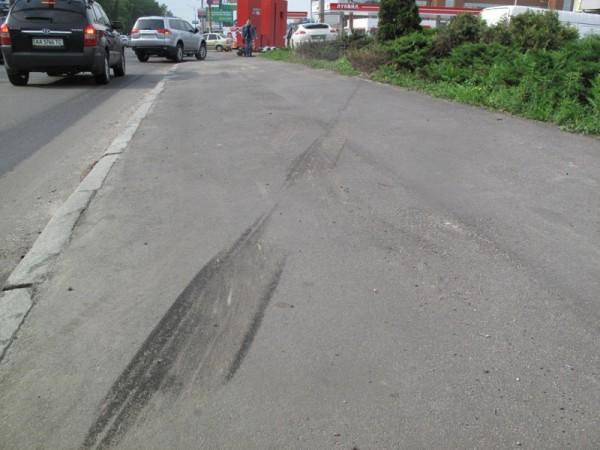 Утром 21 мая на Большой окружной разбился Porsche