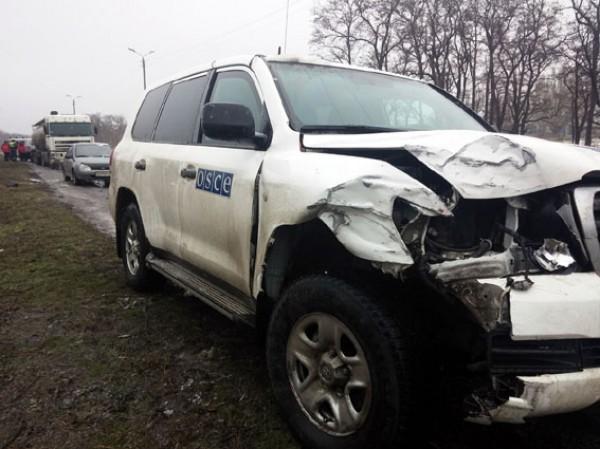Разбитый автомобиль ОБСЕ