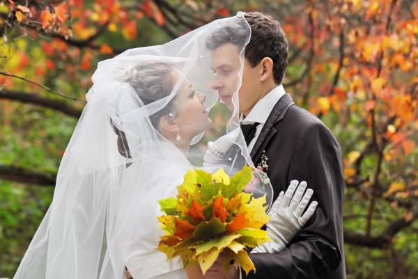Как провести осеннюю свадьбу