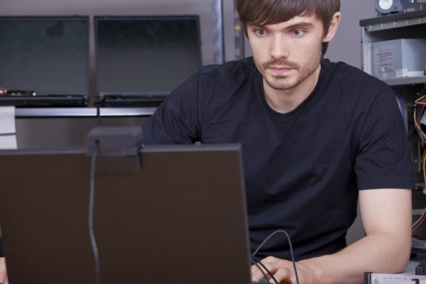 Как найти специалиста по обслуживанию компьютеров