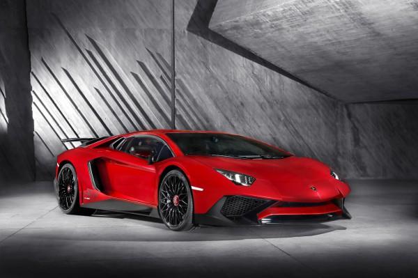 Новый Lamborghini Aventador LP 750 4SV
