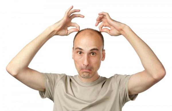 Выдергивание волос помогает при облысении