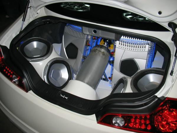 Система впрыска закиси азота в автомобиле