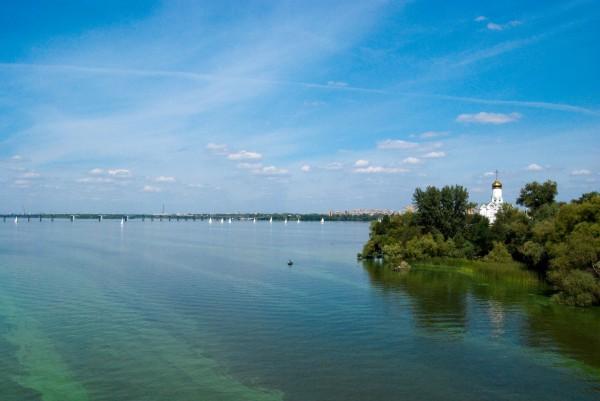 Где удачно отдохнуть на реке Днепр