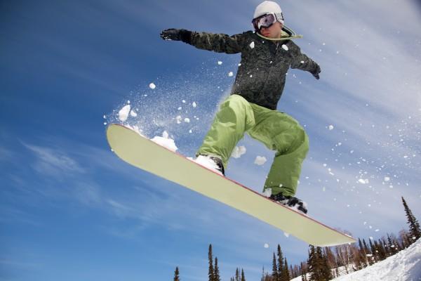 Как научится делать трюк «развороты на носу и на хвосте сноуборда»