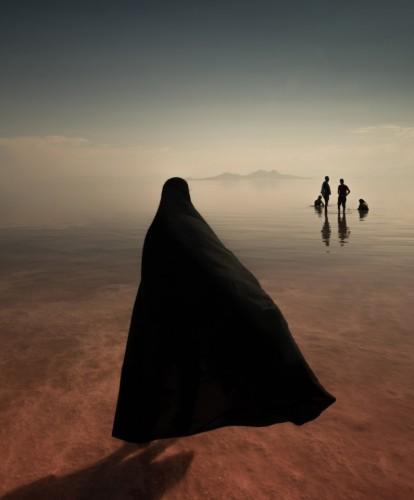 Абсолютный победитель. 'Озеро'. Озеро Урмия, самое большое озеро на Ближнем Востоке и шестое по величине соленое озеро на Земле, расположено между провинциями Восточный и Западный Азербайджан