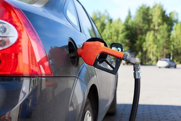 В Украине покупают меньше топлива