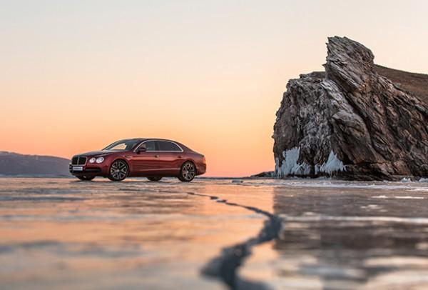 Bentley установил рекорд на тающем льду Байкала
