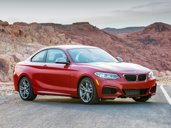 Четыре модели BMW попали в список претендентов на звание