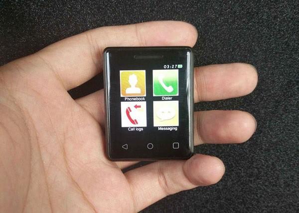 Vphone S8 называют самым маленьким сенсорным телефоном вмире