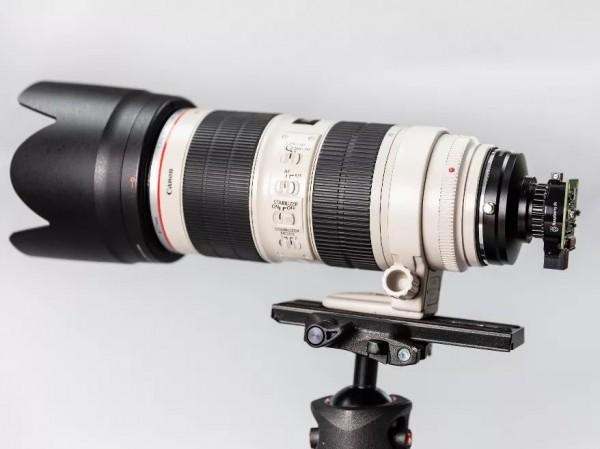 Камера с объективом Canon