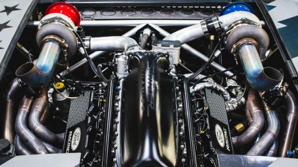 Сердце машины - мотор в 1400 сил