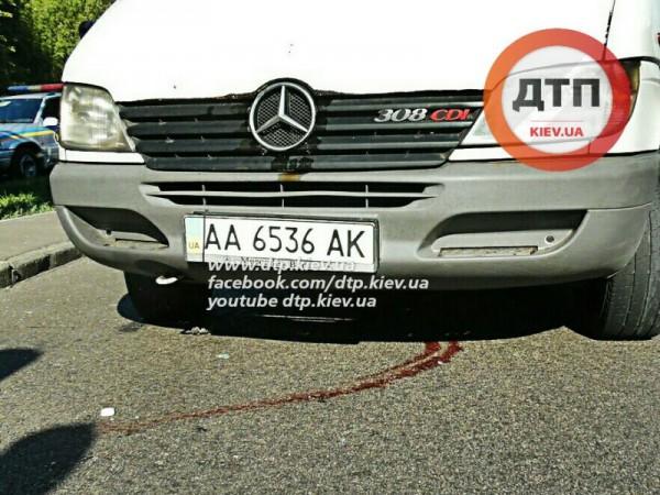 Пешеход-нарушитель попал под три авто