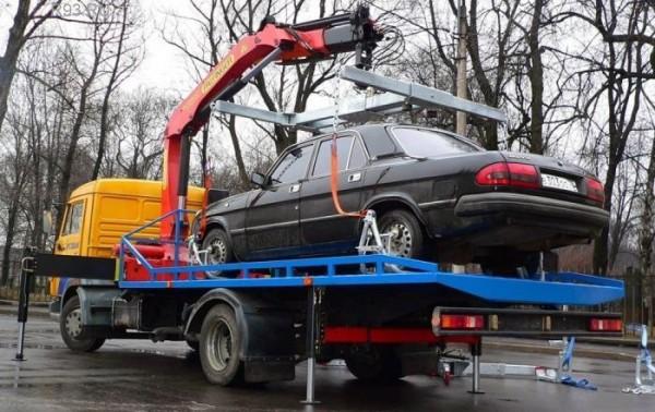 Цель законопроектов - изъятие из оборота б/у автомобилей, считает Назаренко