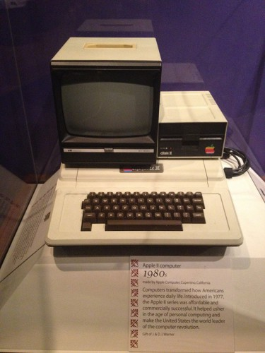 Первый компьютер Apple II