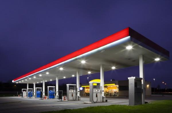 В Украине продают все меньше топлива