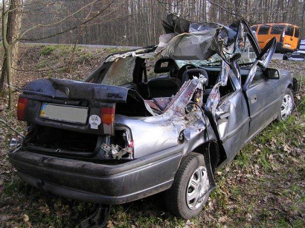 В аварии погибли два человека и травмированы еще четверо