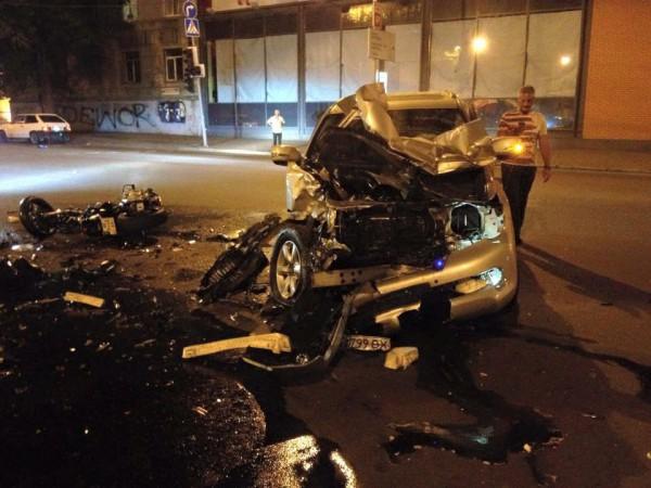 Страшная ночная авария в Днепропетровске