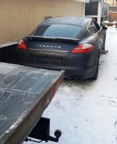Porsche Panamera, который пытались угнать