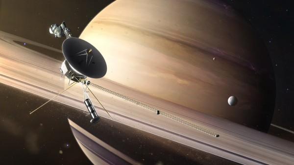 Вояджер исследовал Сатурн и Юпитер