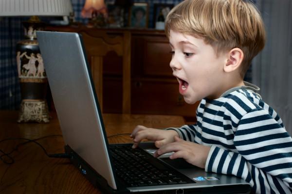 Как павильно выбрать компьютерную игру для ребенка