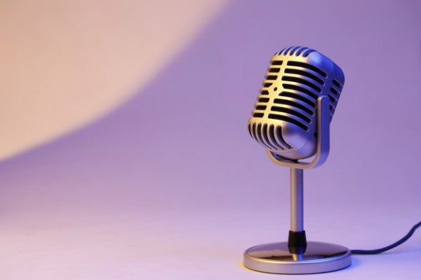 Причиной шума может быть сам микрофон