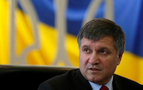Арсен Аваков пытается успокоить гаишников
