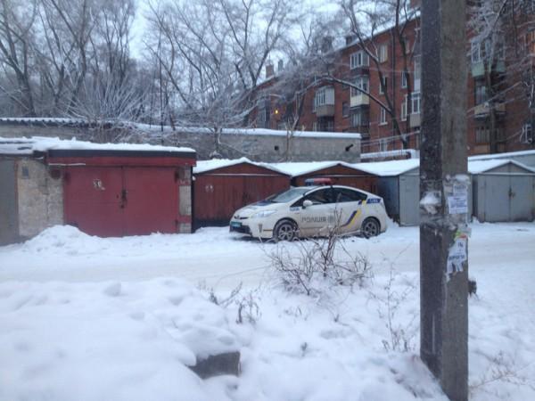 Полицейские бросили машину