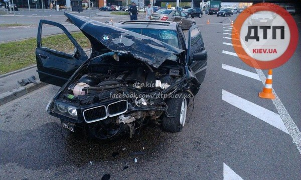 В аварии пострадали шесть человек