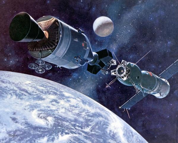 Первый полет космических кораблей двух стран