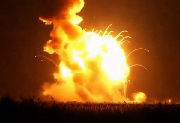 Космический грузовик Cygnus взорвался в момент старта в США