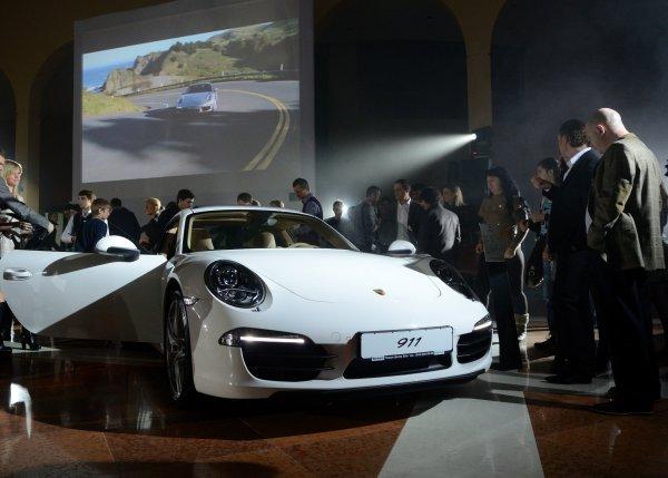 Стоимость купе Porsche 911 Carrera стартует от 107 700 евро