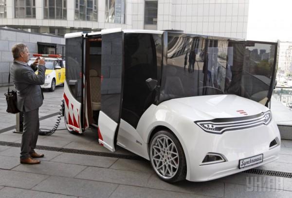 Наш Tesla. ВКиеве дебютировал 1-ый прототип украинского электромобиля Synchronous