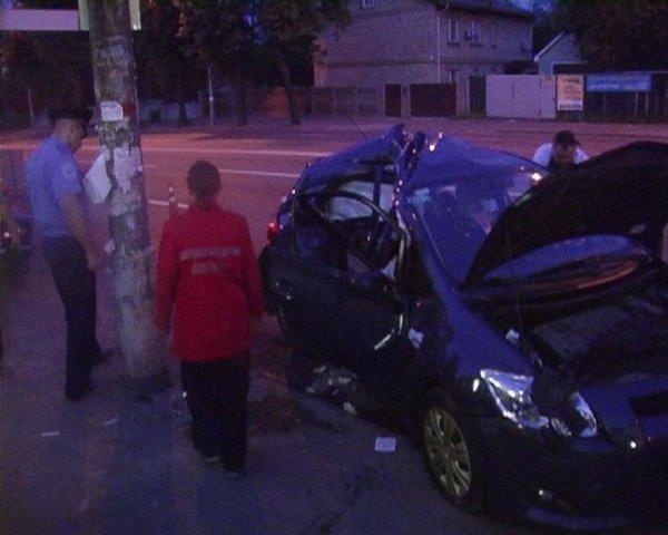 Водителя и пассажиров увезли в больницу на скорой