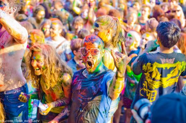 В августе в Киеве пройдет фестиваль красок Холи.