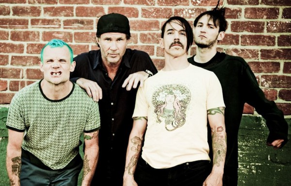 Red Hot Chili Peppers �������� � ����� 6 ����