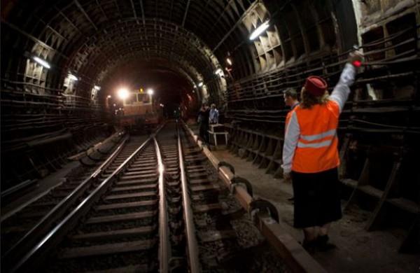 Новый фотопоезд в киевском метро раскроет все тайны метрополитена