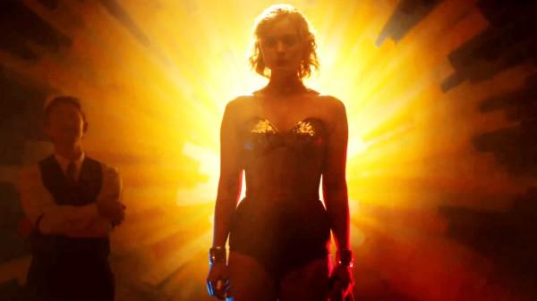 Главные роли в новой картине достались Люку Эвансу, Ребекке Холл и Белле Хиткот.