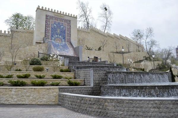 Парк им. Гейдара Алиева открыли в Киеве