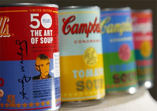 Консервы с томатным супом в иллюстрациях Энди Уорхола продаются в Штатах