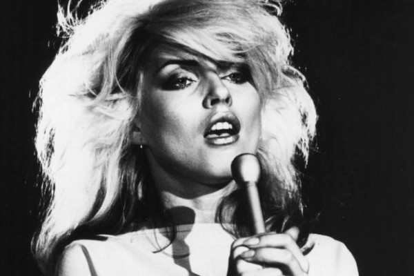Вышел клип Blondie на песню Fun
