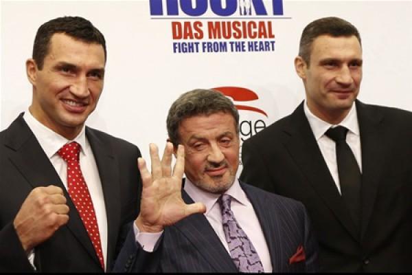 Братья Кличко и Сильвестр Сталлоне открыли мюзикл о легендарном боксере Рокки Бальбоа