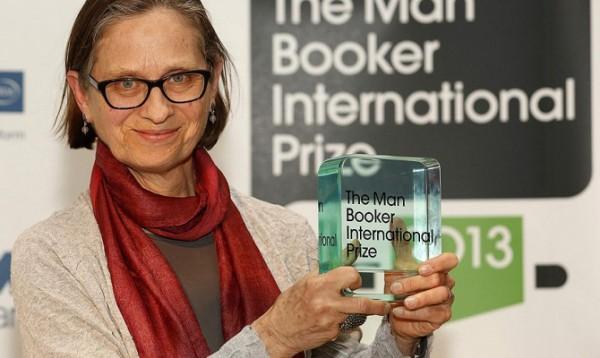 В Лондоне вручена Букеровская премия по литературе. Ее лауреатом стала американка Лидия Дэвис