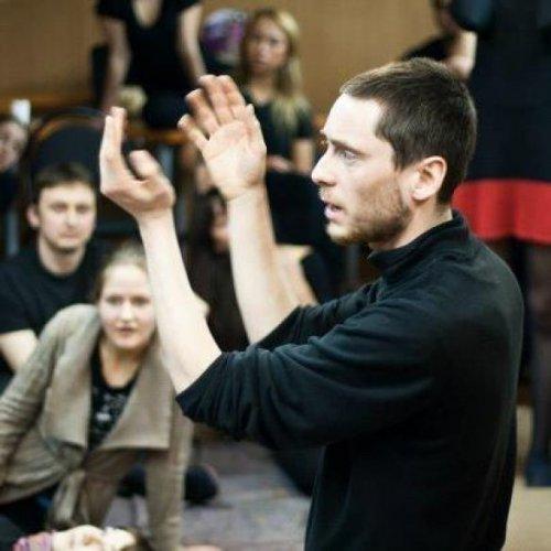 Роман Рабинович, режиссер театра МГУ, мастер по тренингам творческого развития центра Открытый Мир