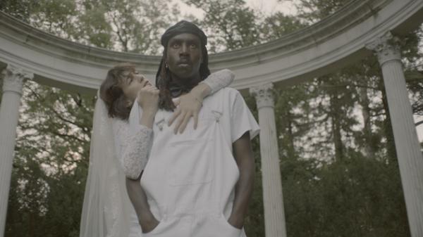 Новый клип Шарлотты Генсбур войдет в альбом Rest.