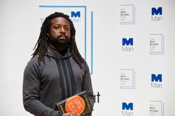 Писатель с Ямайки Марлон Джеймс получил Букера-2015