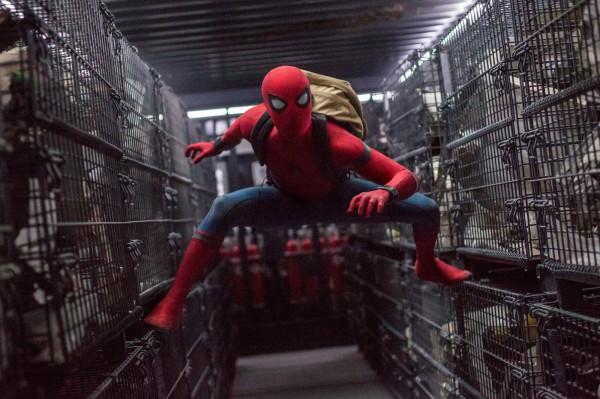 Юный Человек-паук спешит на помощь.