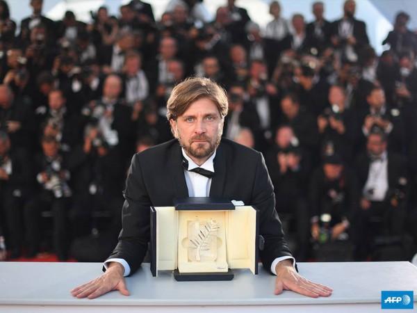 Шведский кинорежиссер Рубен Остлунд увез изКанн главный приз кинофестиваля