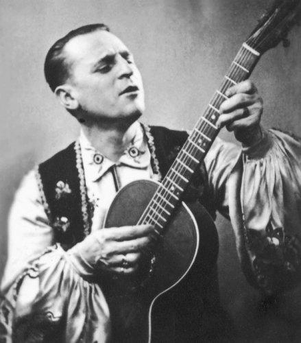 Петр Лещенко, известный исполнитель 30-40 годов