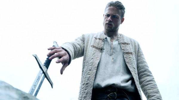 Гай Ричи снял новый фильм про Короля Артура.
